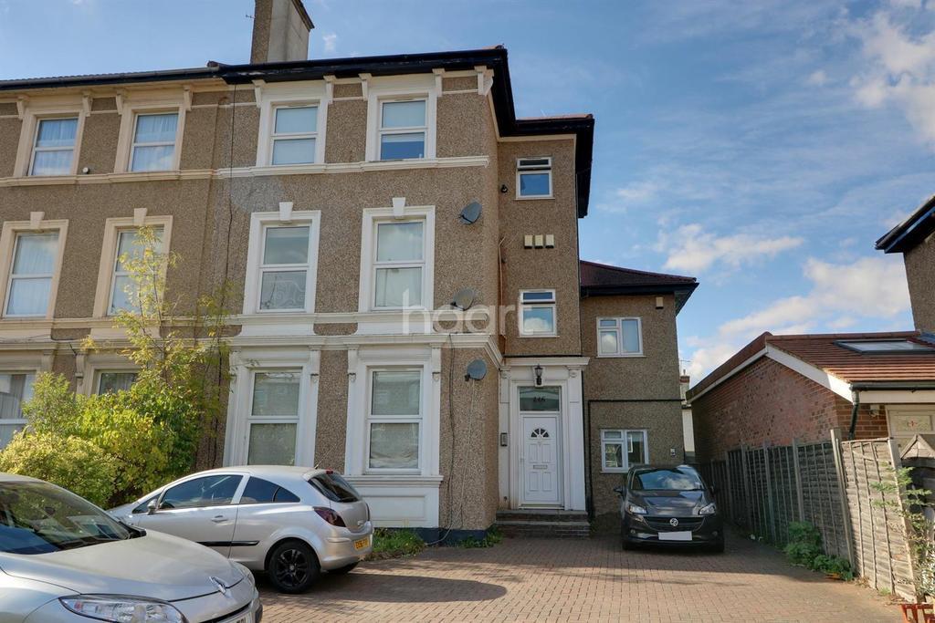 2 Bedrooms Flat for sale in Baker Street, Enfield, EN1