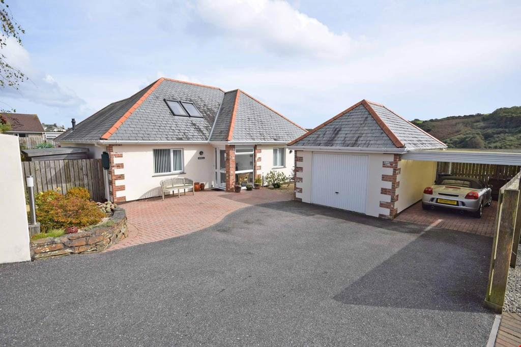 3 Bedrooms Detached House for sale in Gorran Haven,Cornwall, PL26