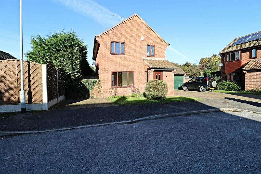 4 Bedrooms Detached House for sale in The Park, North Muskham