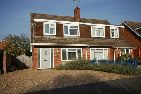 3 bedroom semi-detached house for sale - Wrecclesham, FARNHAM, Surrey