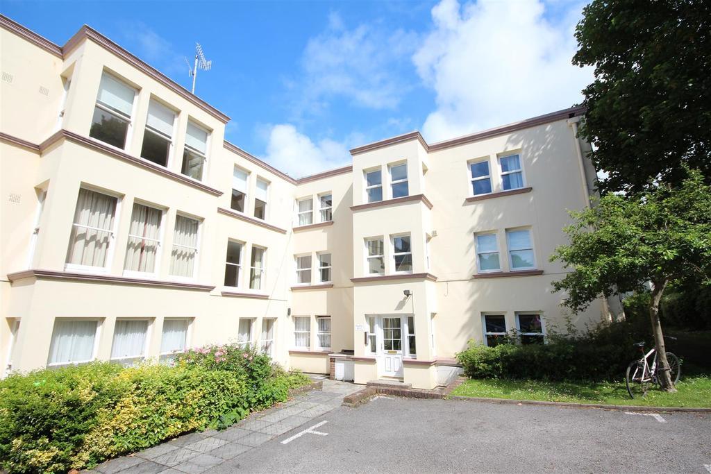3 Bedrooms Flat for rent in Harrington Road, Preston Park, Brighton