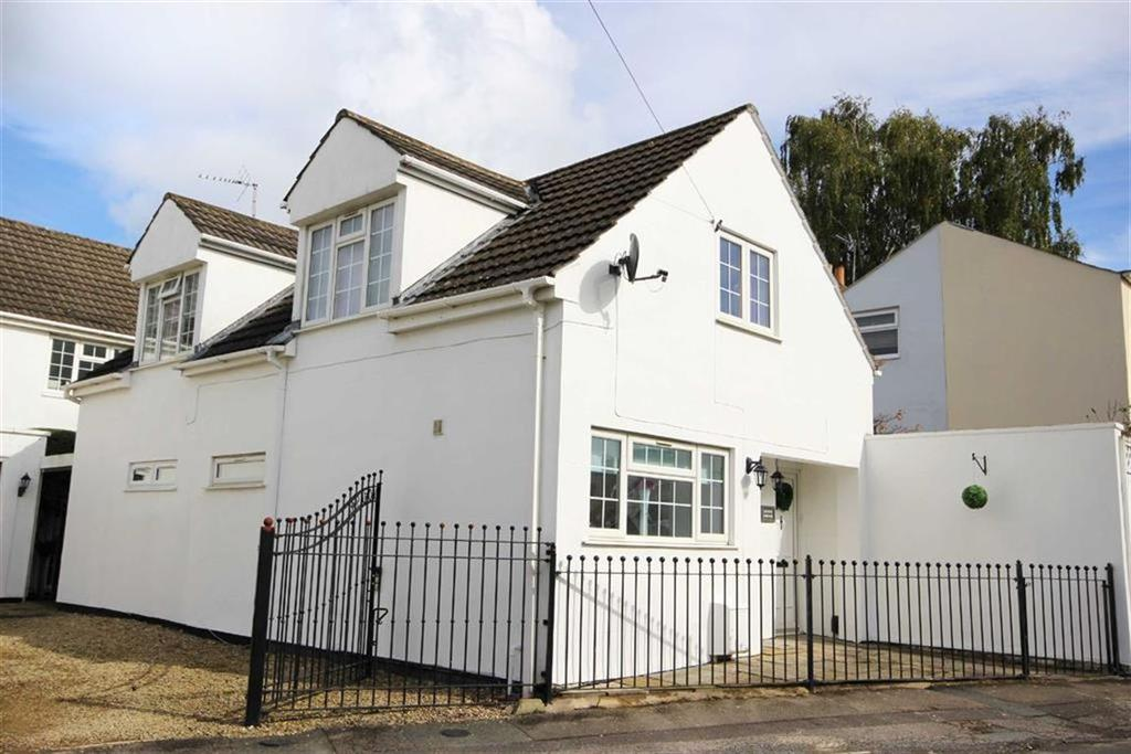 3 Bedrooms Detached House for sale in Tryes Road, Leckhampton, Cheltenham, GL50