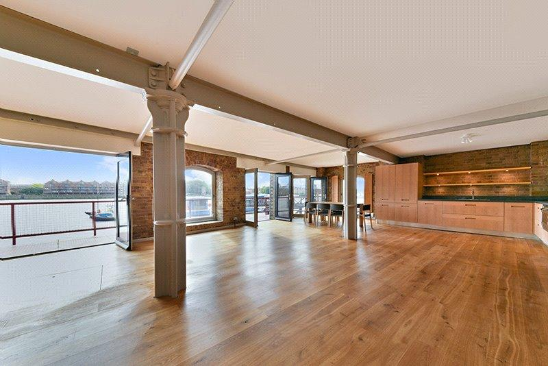 2 Bedrooms Flat for sale in St Johns Wharf, 104 - 106 Wapping High Street, London, E1W