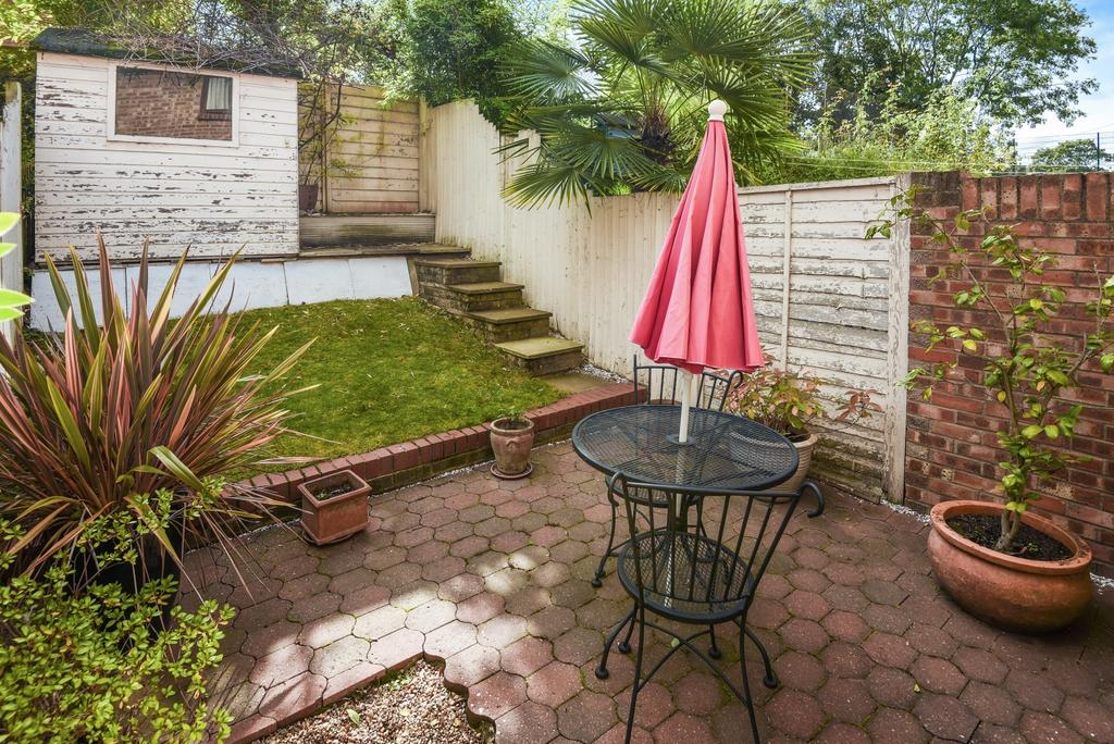 2 Bedrooms Terraced House for sale in Copse Close London SE7