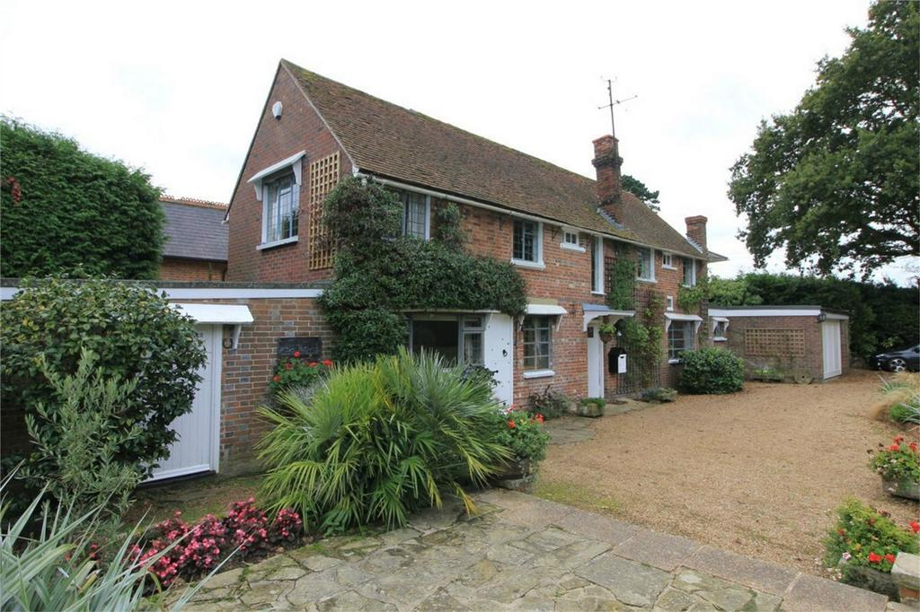 3 Bedrooms Detached House for sale in Hooe Road, NINFIELD, East Sussex