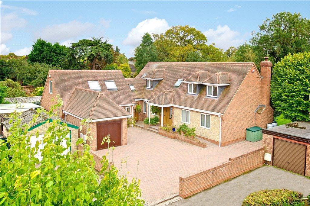 5 Bedrooms Detached House for sale in High Street, Stony Stratford, Milton Keynes, Buckinghamshire