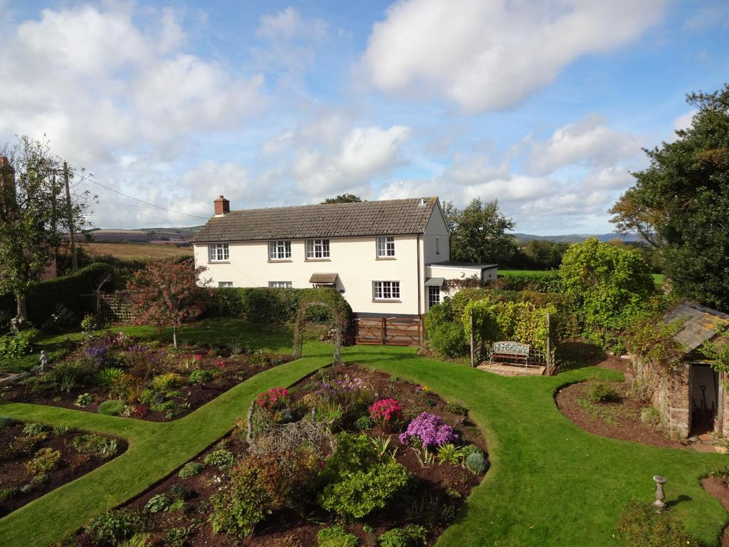 3 Bedrooms Detached House for sale in Nr Washford, Somerset