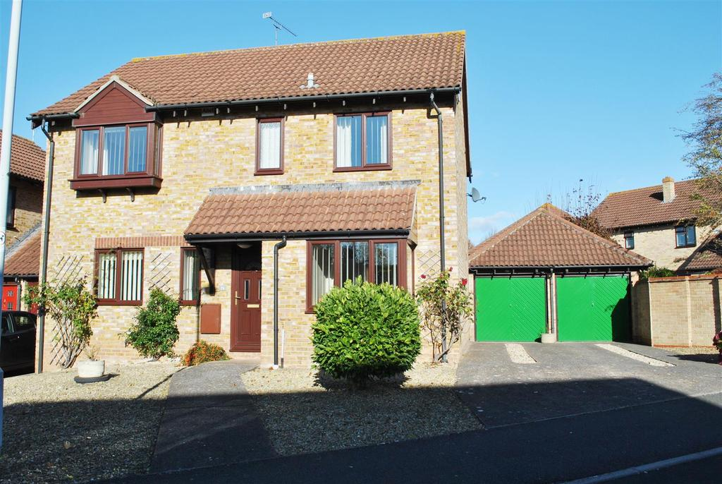 4 Bedrooms Detached House for sale in Killams Crescent, Taunton
