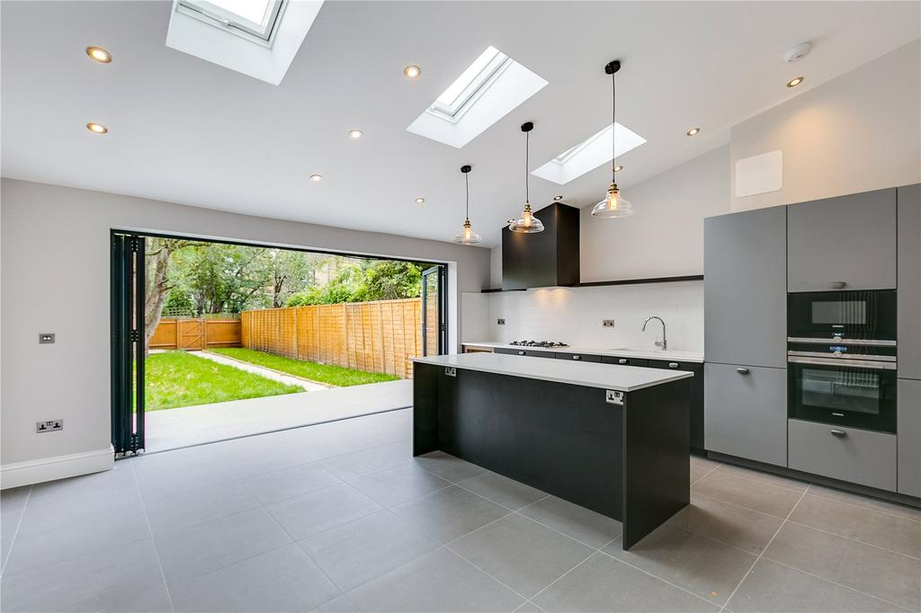 4 Bedrooms Terraced House for sale in Lower Richmond Road, Mortlake, London