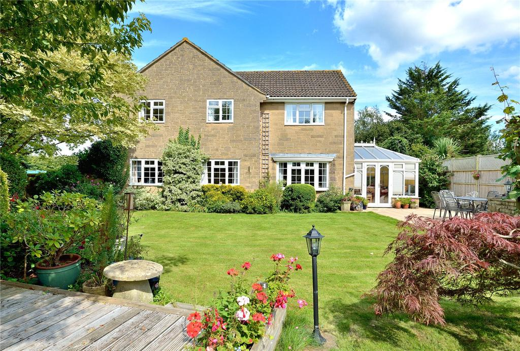 4 Bedrooms Detached House for sale in Springfield Road, Milborne Port, Sherborne, Dorset