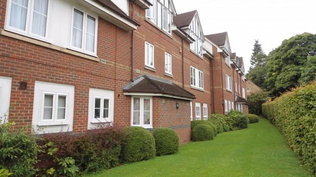2 Bedrooms Apartment Flat for rent in Tabors Court, Shenfield, Shenfield, CM15