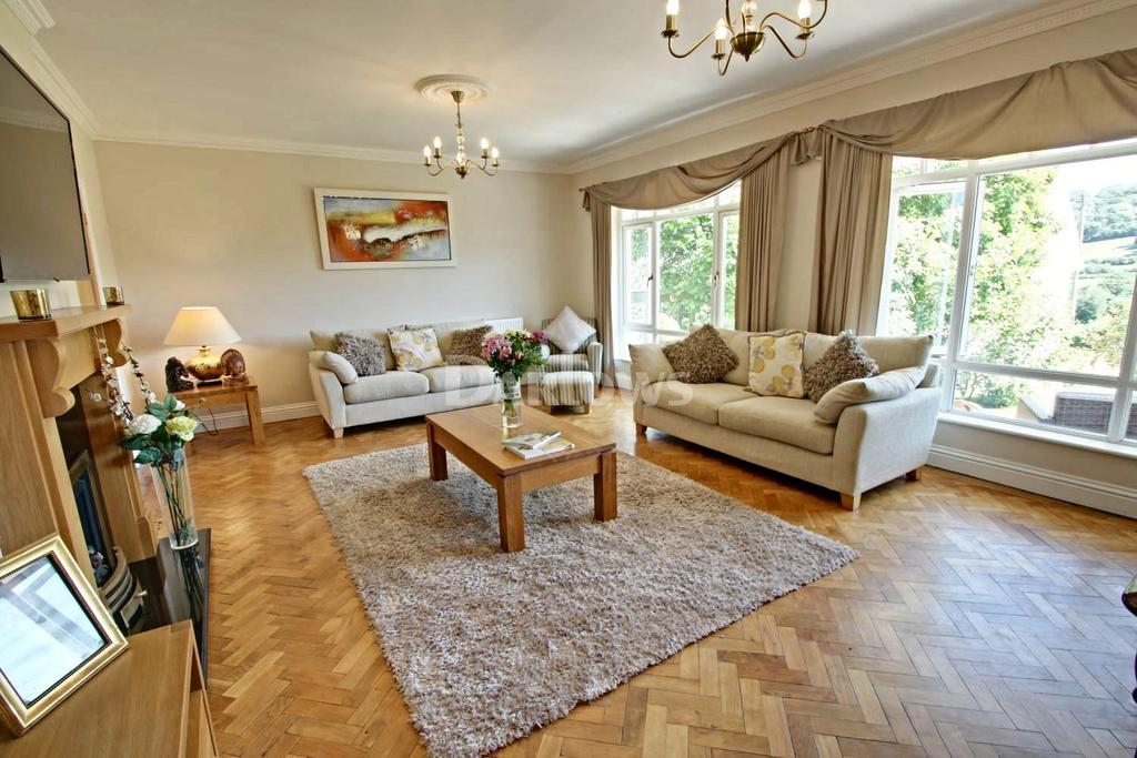 4 Bedrooms Detached House for sale in The Rise, Pentre-Poeth Road, Bassaleg, Newport