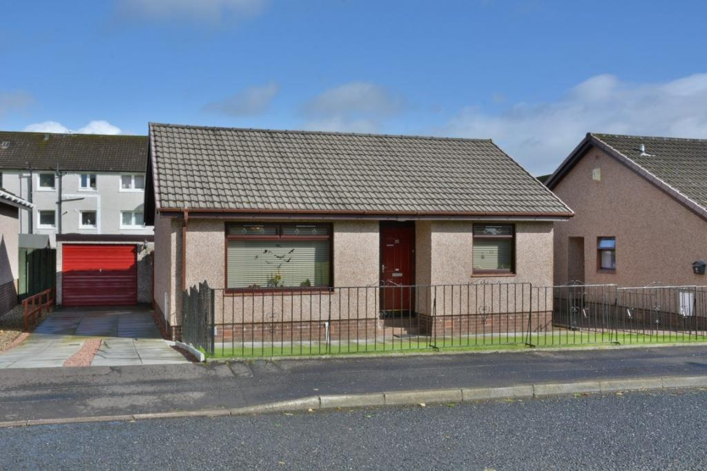2 Bedrooms Bungalow for sale in 35 Duncarnock Crescent, Neilston, G78 3HH