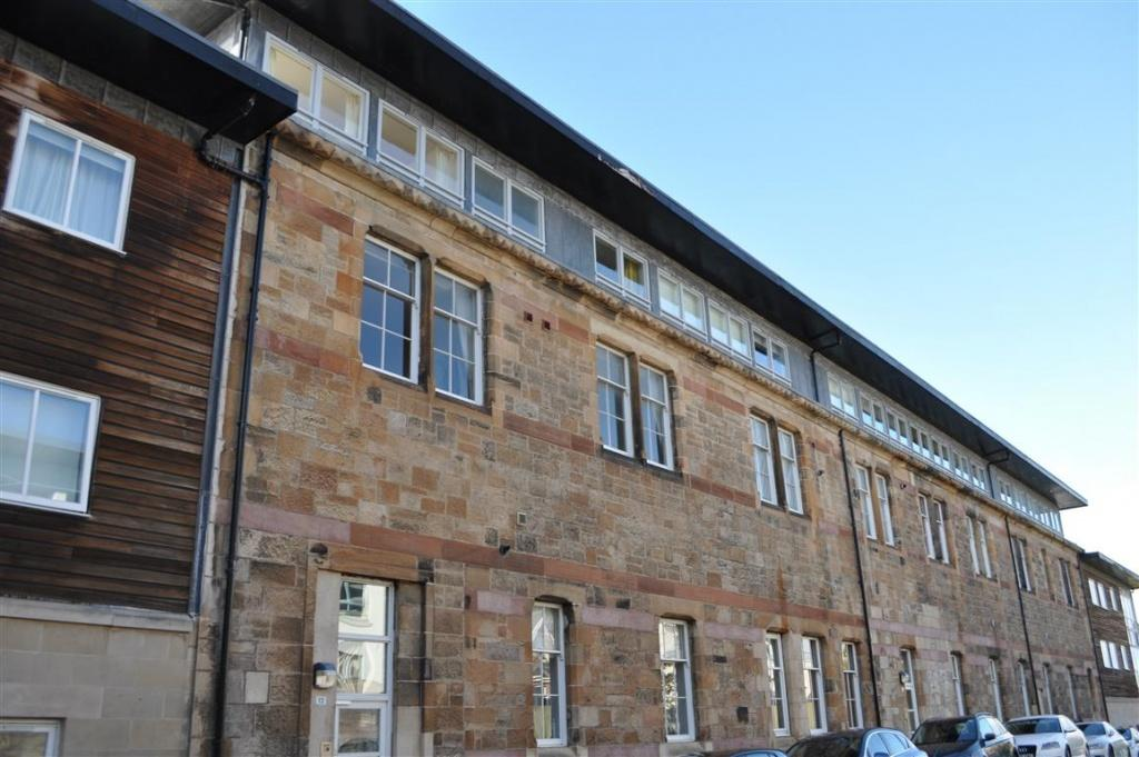 2 Bedrooms Flat for sale in 2/1, 12 Prospecthill Grove, Langside, G42 9LD