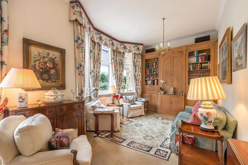 2 Bedrooms Terraced House for sale in Pont Street, Knightsbridge, London, SW1X