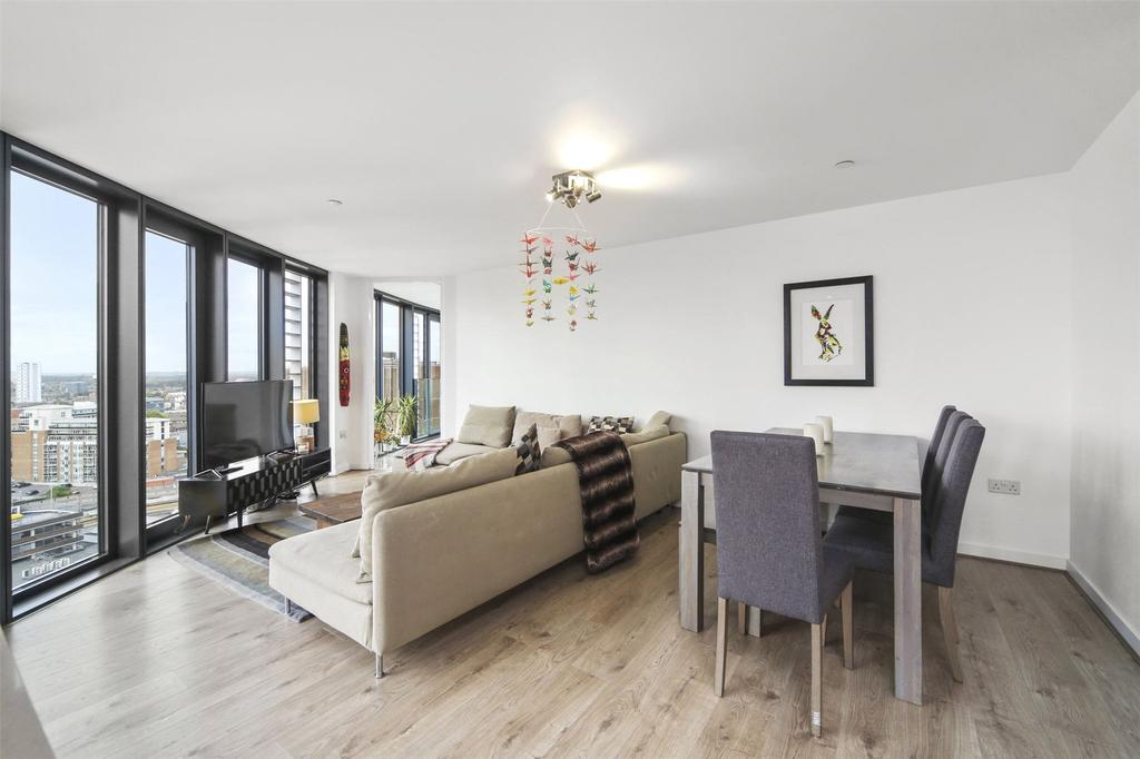3 Bedrooms Flat for sale in Unex Tower, 7 Station Street, London, E15