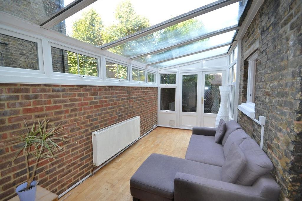 2 Bedrooms Flat for sale in Tufnell Park Road, Tufnell Park, London, N19