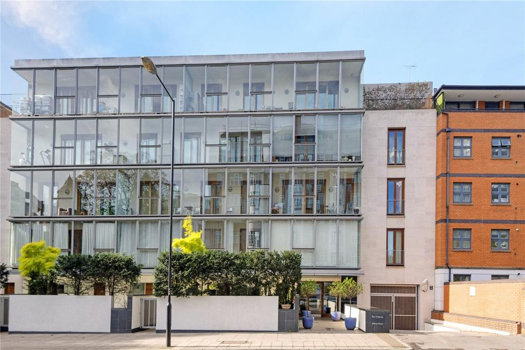 3 Bedrooms Flat for sale in The Galleries, Abbey Road, St John's Wood, London, NW8
