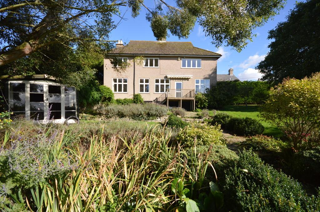 5 Bedrooms Detached House for sale in Benefield Road, Oundle