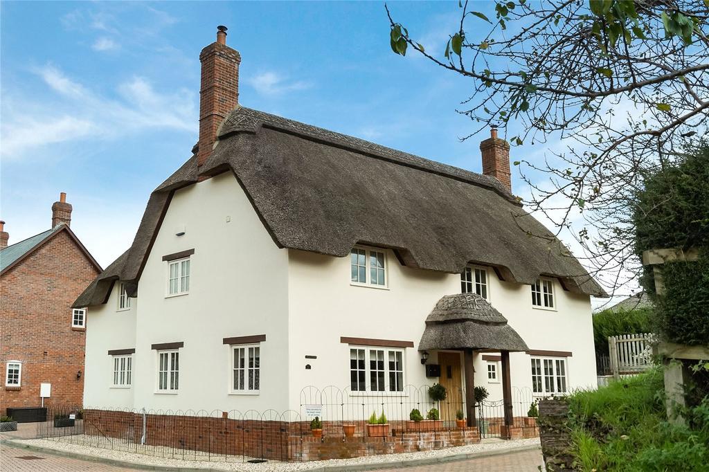 4 Bedrooms House for sale in Fox View, Milborne St Andrew, Blandford Forum, Dorset, DT11