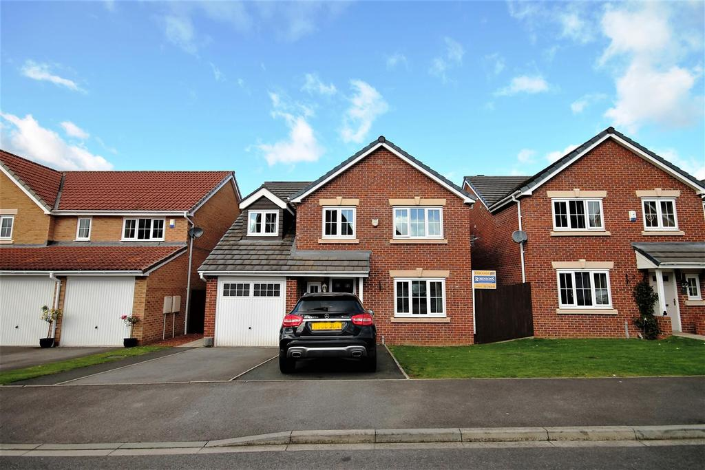 5 Bedrooms Detached House for sale in The Covert, Coulby Newham, Middlesbrough