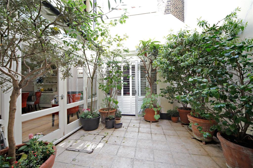 3 Bedrooms Flat for sale in Montagu Square, Marylebone, London, W1H