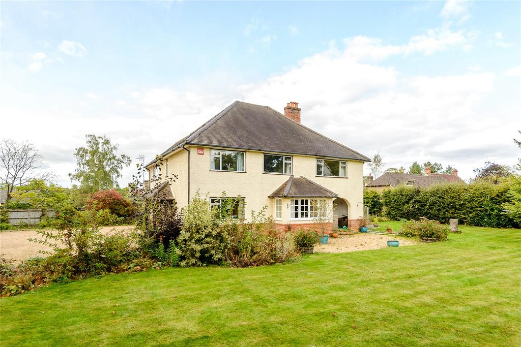 4 Bedrooms Detached House for sale in The Avenue, Rowledge, Farnham, Surrey, GU10