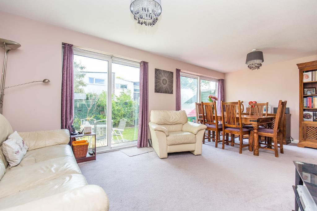 3 Bedrooms Terraced House for sale in Jermyn Court, Kempton Walk, Croydon, CR0 7XH