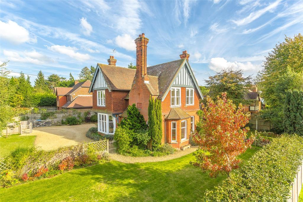 5 Bedrooms Detached House for sale in Bluehouse Lane, Limpsfield, Oxted, Surrey, RH8