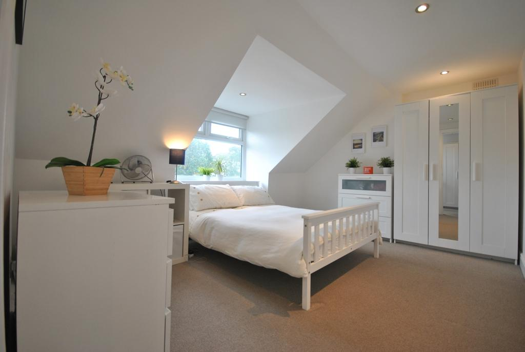 1 Bedroom Flat for sale in Baring Road Grove Park SE12