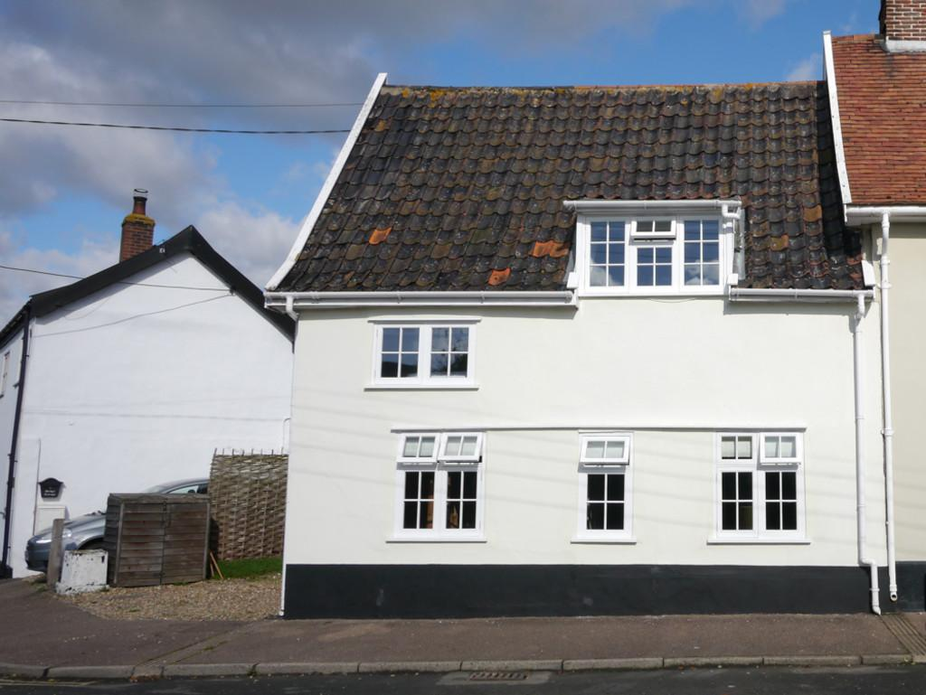 2 Bedrooms Semi Detached House for sale in The Street, Brockdish