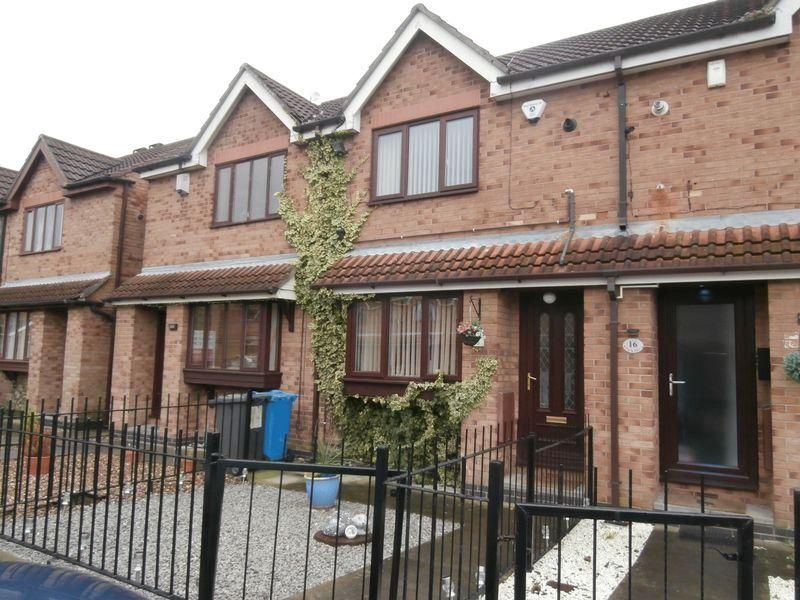 2 Bedrooms Terraced House for sale in The Rydales, Hull