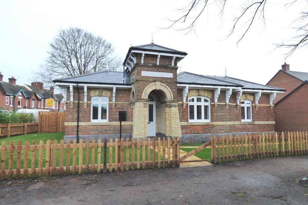 2 Bedrooms Detached Bungalow for sale in Corporation Street, Stafford