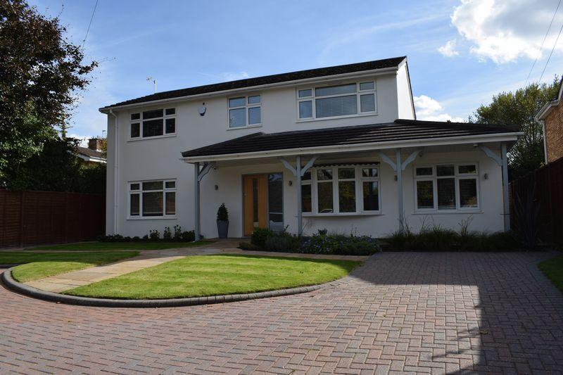 4 Bedrooms Detached House for sale in Butts Ash Lane, Southampton