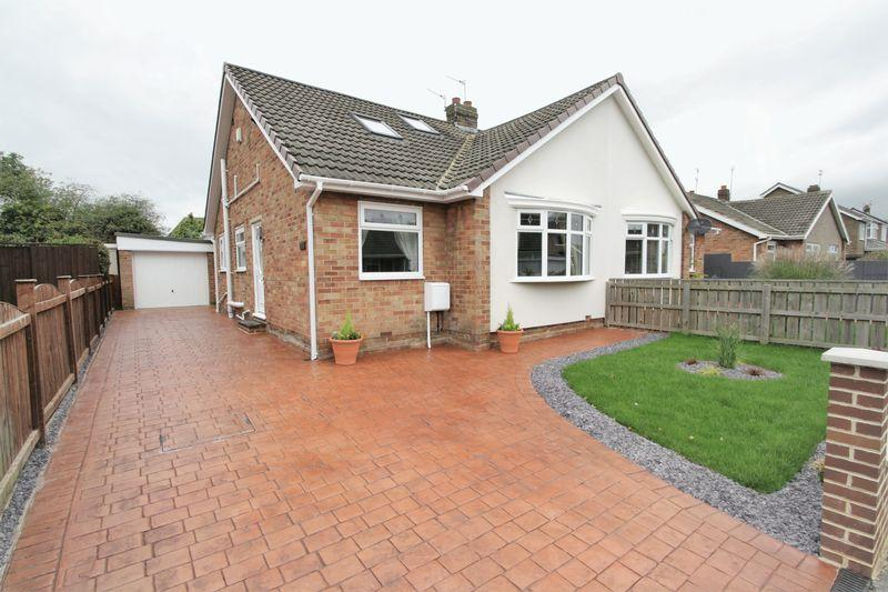 3 Bedrooms Semi Detached Bungalow for sale in Fordwell Road, Fairfield, Stockton, TS19 7JY