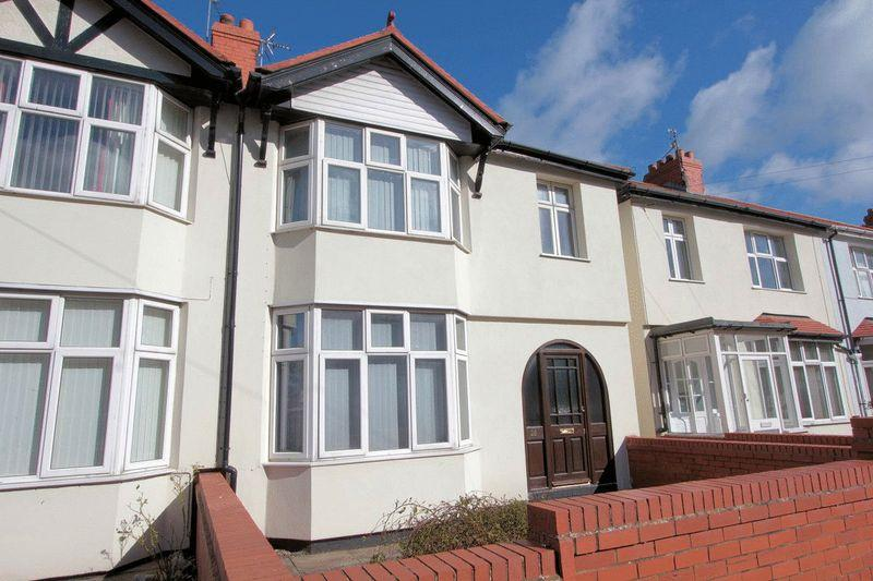 3 Bedrooms Semi Detached House for sale in Warren Road, Rhyl