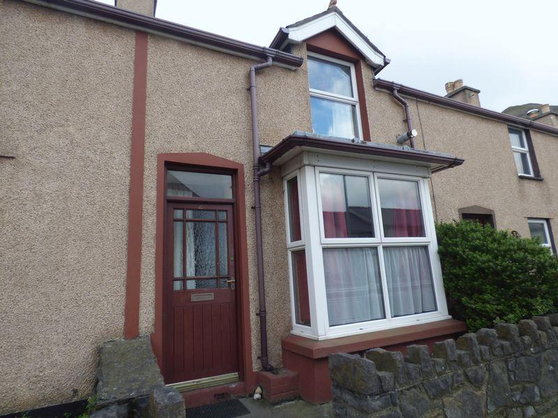 2 Bedrooms House for sale in 2, High Street, Penmaenmawr LL34 6NF