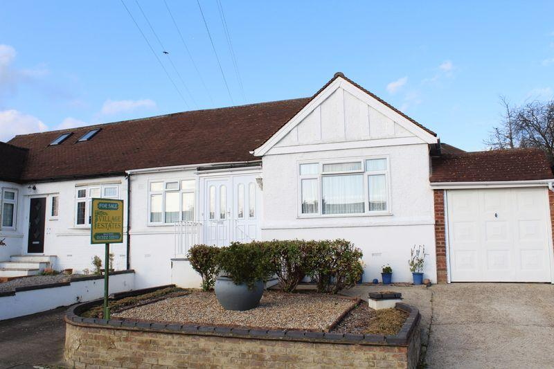 2 Bedrooms Bungalow for sale in Albany Close, Bexley