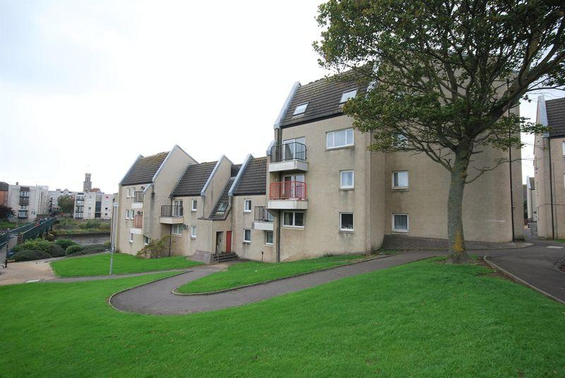 2 Bedrooms Apartment Flat for sale in 156 Strathayr Place, Ayr, KA8 0AY