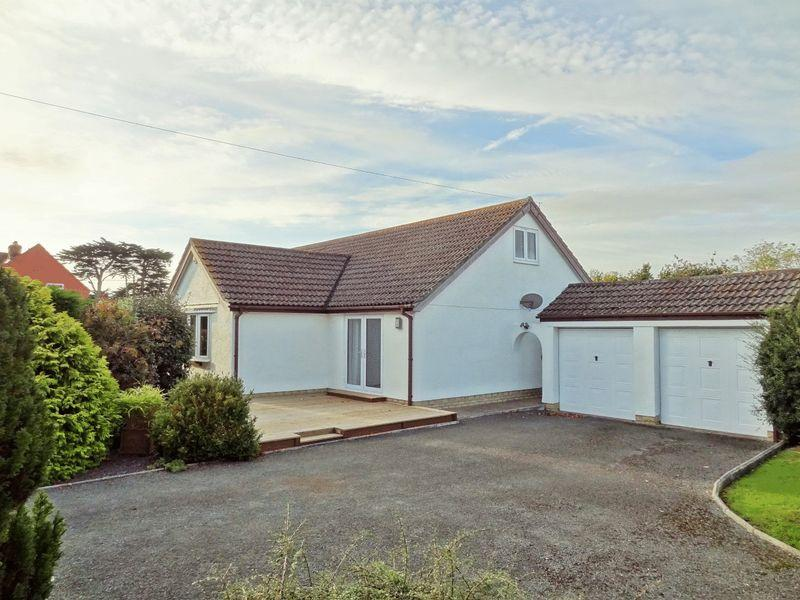 5 Bedrooms Bungalow for sale in Park View, Stogursey