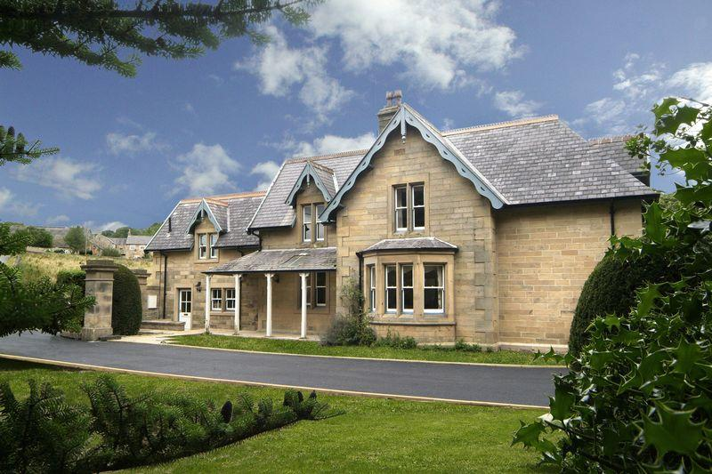 5 Bedrooms Detached House for sale in Haydon Bridge