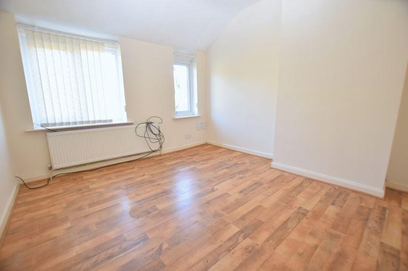 3 Bedrooms Semi Detached House for sale in Arundel Avenue, Dalton