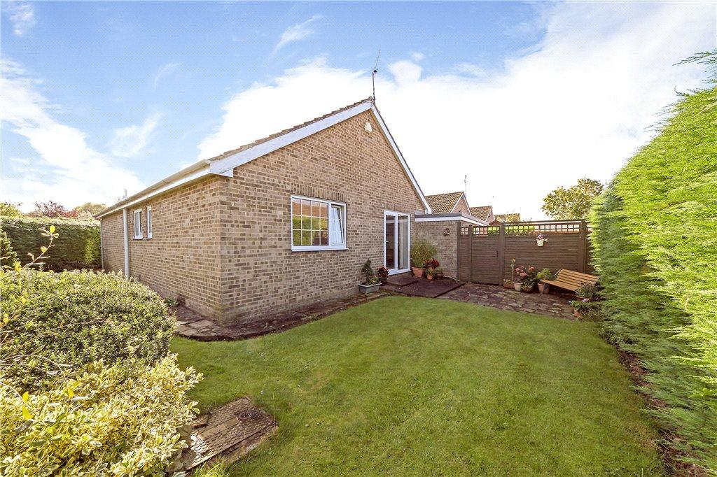 3 Bedrooms Detached Bungalow for sale in Saddlers Way, Long Marston, North Yorkshire