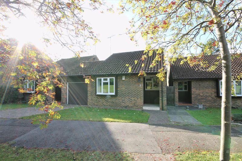 2 Bedrooms Semi Detached Bungalow for sale in ASHTEAD