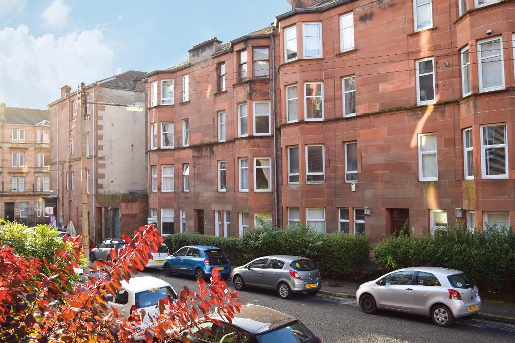 1 Bedroom Flat for sale in Trefoil Avenue, Flat 1/2, Shawlands, Glasgow, G41 3PD
