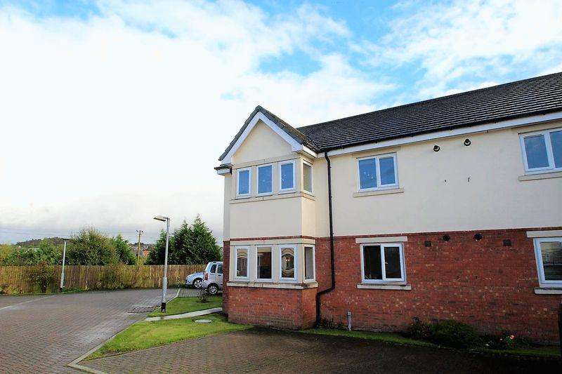 2 Bedrooms Apartment Flat for sale in The Oaklands, Fairway, Castleton, Rochdale OL11 3BZ