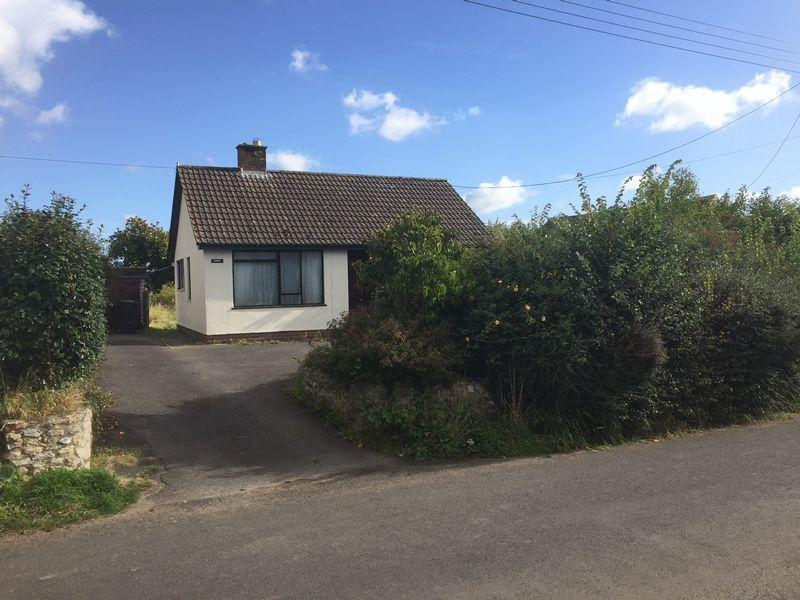 2 Bedrooms Bungalow for sale in Suggs Lane, Broadway