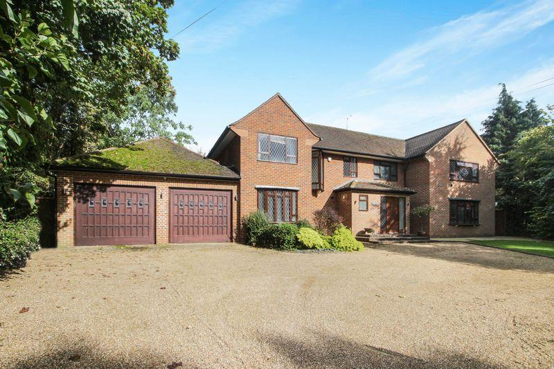 6 Bedrooms Detached House for sale in Grays Lane, Ashtead