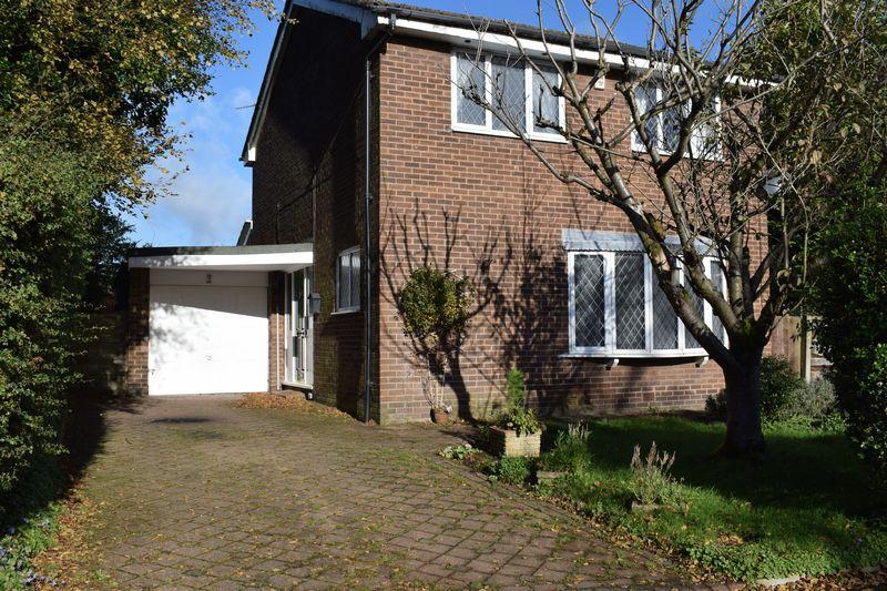 3 Bedrooms Detached House for sale in Muirfield Close, Heywood