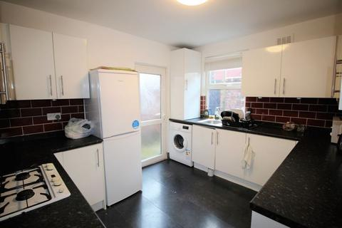 3 bedroom house to rent - Romer Road, Liverpool, L6 6DH